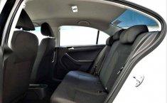 Volkswagen Jetta 2.0 2018 en buena condicción-12