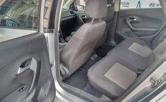 Volkswagen Vento 2016 1.6 Comfortline At-12