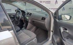 Volkswagen Vento 2016 1.6 Comfortline At-9