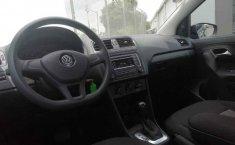 Volkswagen Vento 2018 4p Comfortline L4/1.6 Aut-9