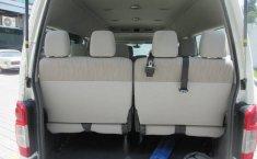 Nissan Urvan 2015 2.5 Amplia 15 Pasajeros Mt-12