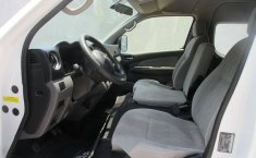 Nissan Urvan 2015 2.5 Amplia 15 Pasajeros Mt-8