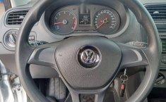 Volkswagen Vento 2016 1.6 Comfortline At-6