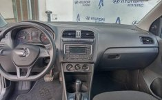 Volkswagen Vento 2016 1.6 Comfortline At-4