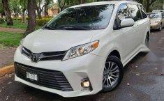 Venta de Toyota Sienna 2019 usado Automático a un precio de 416000 en Iztapalapa-1
