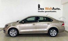Volkswagen Vento 2020 4p Comfortline L4/1.6 Man-8