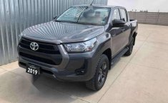 HILUX SR ENGANCHE $161,400 MENSUAL $8,400-7