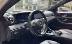 Pongo a la venta cuanto antes posible un Mercedes-Benz Clase E en excelente condicción-1