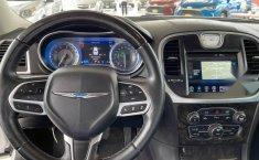 Se vende urgemente Chrysler 300 2017 en Guadalajara-12