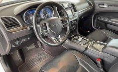 Se vende urgemente Chrysler 300 2017 en Guadalajara-11