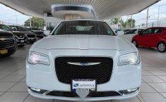 Se vende urgemente Chrysler 300 2017 en Guadalajara-9
