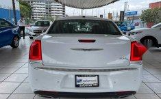Se vende urgemente Chrysler 300 2017 en Guadalajara-6