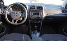 Volkswagen Vento 2018 4p Comfortline L4/1.6 Aut-7