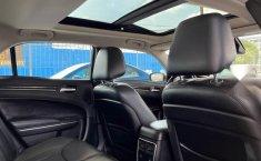 Se vende urgemente Chrysler 300 2017 en Guadalajara-2