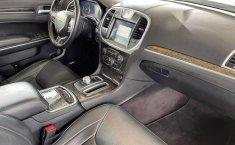 Se vende urgemente Chrysler 300 2017 en Guadalajara-1