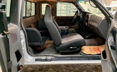 Ranger xlt cabina y media 4 puertas está nueva-7