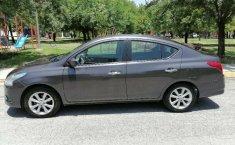 Auto Nissan Versa Advance 2016 de único dueño en buen estado-2