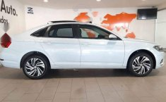 Volkswagen Jetta 2019 4p Highline L4/1.4/T Aut-18