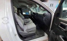 Se pone en venta Chevrolet Silverado 2017-15