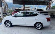 Nissan Versa 2014 1.6 Exclusive At-6