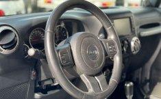 Jeep Wrangler 2014 en buena condicción-25