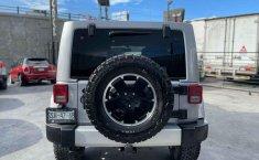 Jeep Wrangler 2014 en buena condicción-24