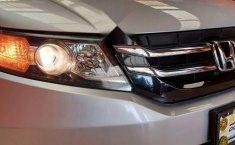 Auto Honda Odyssey EX 2014 de único dueño en buen estado-17