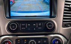 Auto Chevrolet Suburban LT 2017 de único dueño en buen estado-16