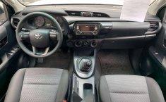 Se pone en venta Toyota Hilux 2018-13