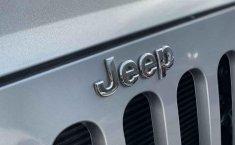 Jeep Wrangler 2014 en buena condicción-16