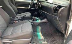 Se pone en venta Toyota Hilux 2018-8