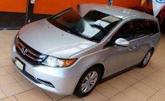 Auto Honda Odyssey EX 2014 de único dueño en buen estado-13