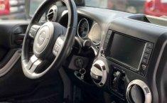 Jeep Wrangler 2014 en buena condicción-12