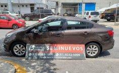 Auto Kia Rio EX 2016 de único dueño en buen estado-5