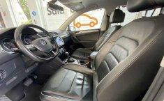 Volkswagen Tiguan 2018 5p Comfortline L4/1.4/T Aut-4