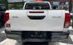 Se pone en venta Toyota Hilux 2018-4