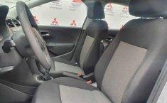 Volkswagen Vento 2014 4p Active L4/1.6 Aut-2