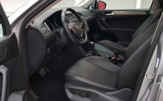 Volkswagen Tiguan 2019 5p Confortline L4/1.4/T Aut-13
