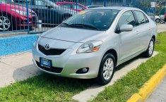 Toyota Yaris 2015 en buena condicción-11