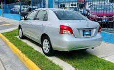 Toyota Yaris 2015 en buena condicción-9