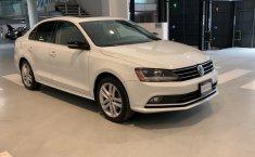 Volkswagen Jetta 2018 en buena condicción-4