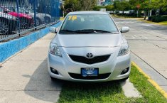 Toyota Yaris 2015 en buena condicción-3