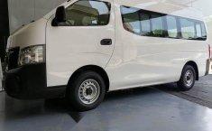 Auto Nissan Urvan 2021 de único dueño en buen estado-8