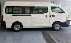 Auto Nissan Urvan 2021 de único dueño en buen estado-7
