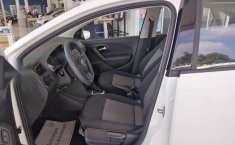 Volkswagen Vento 2020 4p Starline L4/1.6 Aut-9