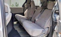 Toyota Sienna 2017 en buena condicción-9
