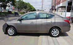 Nissan Versa 2012 4p Advance 5vel-3