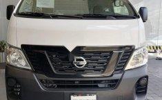 Auto Nissan Urvan 2021 de único dueño en buen estado-4