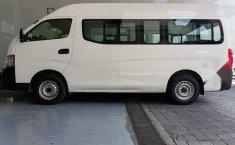 Auto Nissan Urvan 2021 de único dueño en buen estado-3