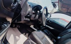 Pongo a la venta cuanto antes posible un Nissan NP300 en excelente condicción-2
